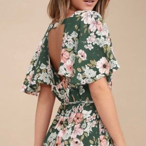 Last M/L❣️Brand New Open Back Ruffled Floral Dress